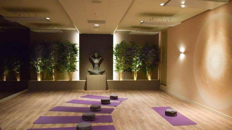 hotyoga verwarming aan plafond yoga studio 2-2